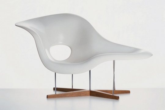 la chaise vitra organic sitting designed by charles and ray eames 1948 products. Black Bedroom Furniture Sets. Home Design Ideas