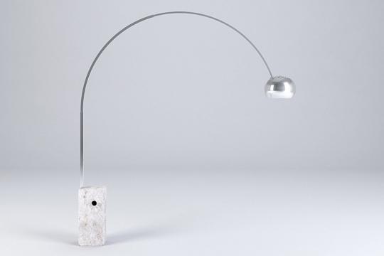 Arco flos lampada da terra 1962 prodotti designindex for Lampada a terra flos